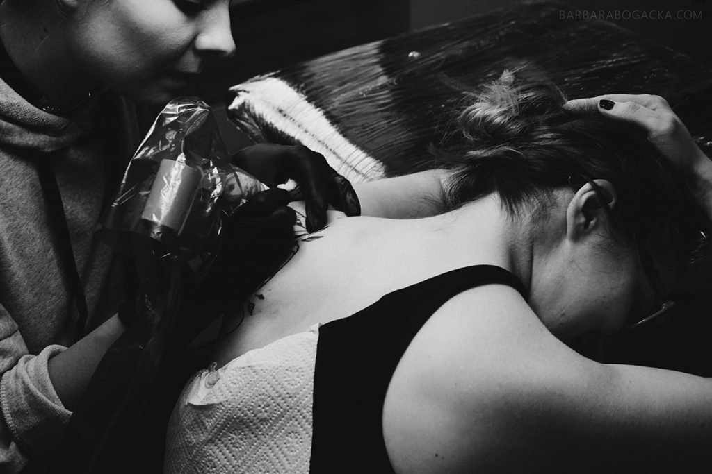 bogacka-fotografia-sesja-fotograficzna-z-wykonania-tatuau